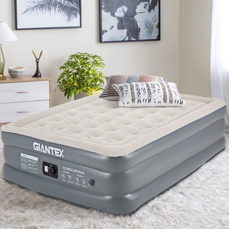 Inflatable Queen (Giantex QUEEN SIZE Luxury Raised Air Mattress Inflatable Airbed Built-in Pump Carry Bag )