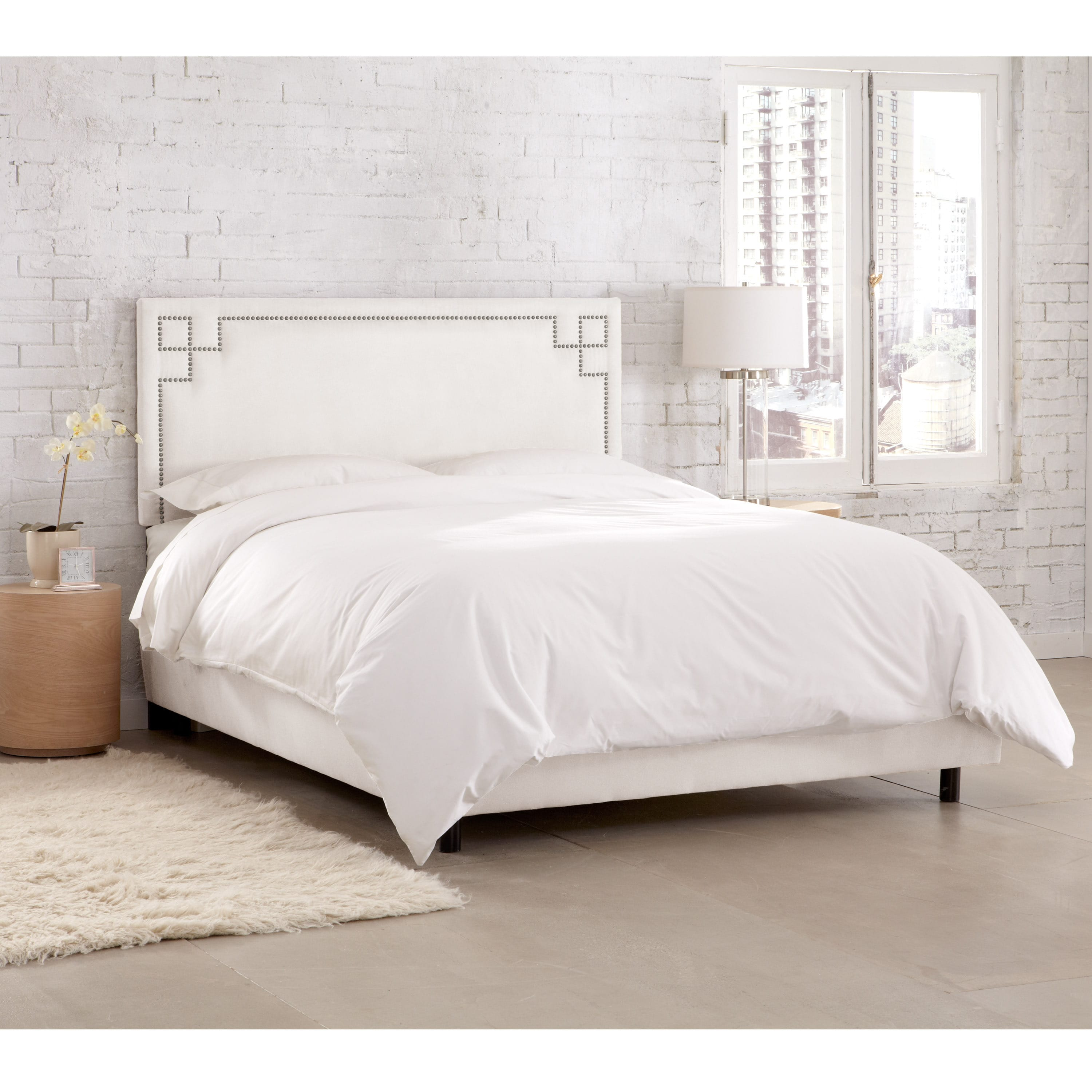 Skyline Furniture  Velvet White Nail Button Bed