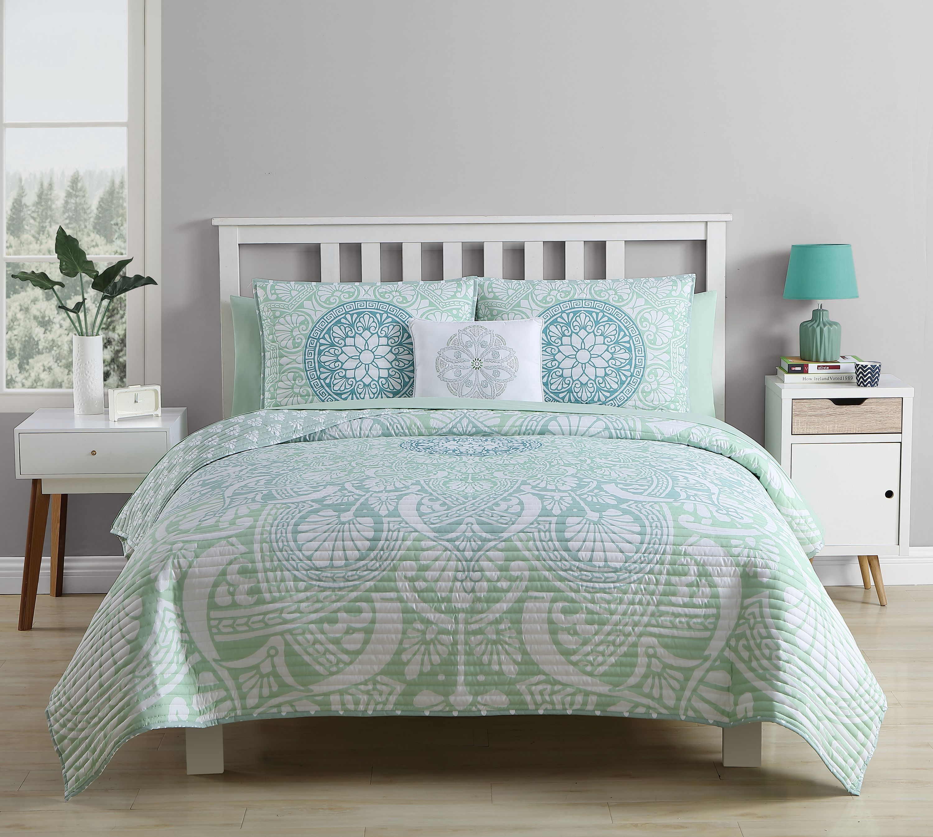 Mainstays Tory Reversible Medallion Bed In A Bag Quilt Set