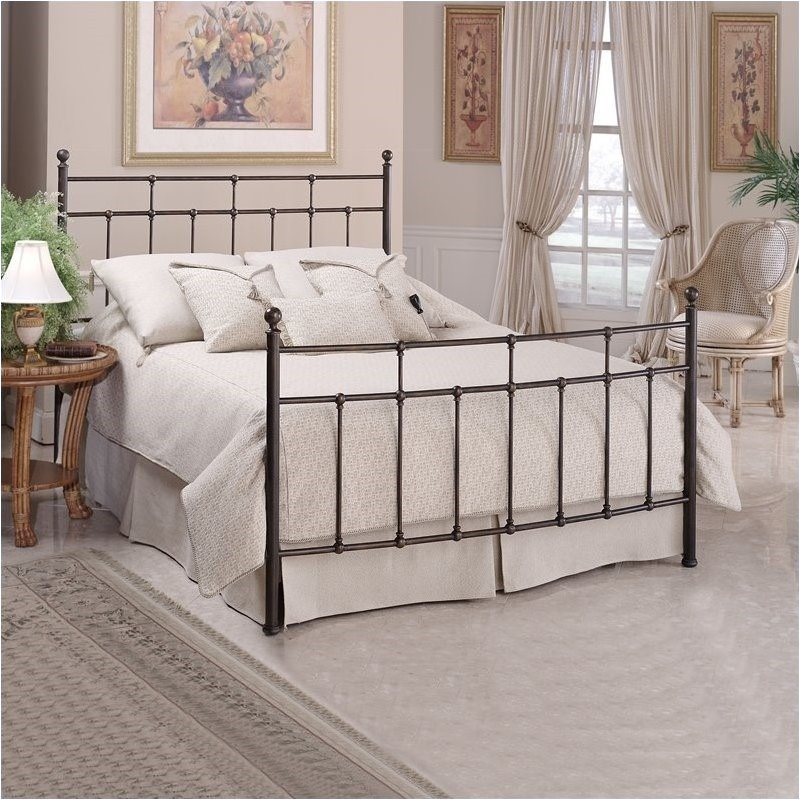 Hawthorne Collections Queen Metal Spindle Bed in Antique Bronze