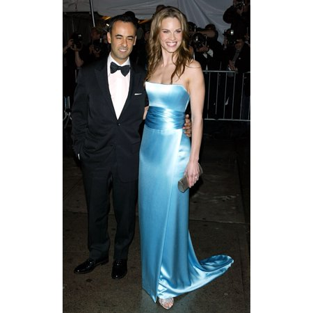 Actress Hilary Swank And Date Arrive At The Costume Institute Party Of The Year At The Met April 26 2004 In New York City Celebrity - Party City Apply Online