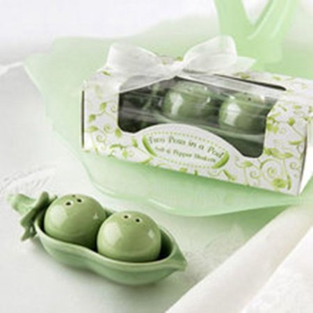 Two Peas in a Pod - Ceramic Salt & Pepper Shakers in Ivy Print Gift Box, 96 ()