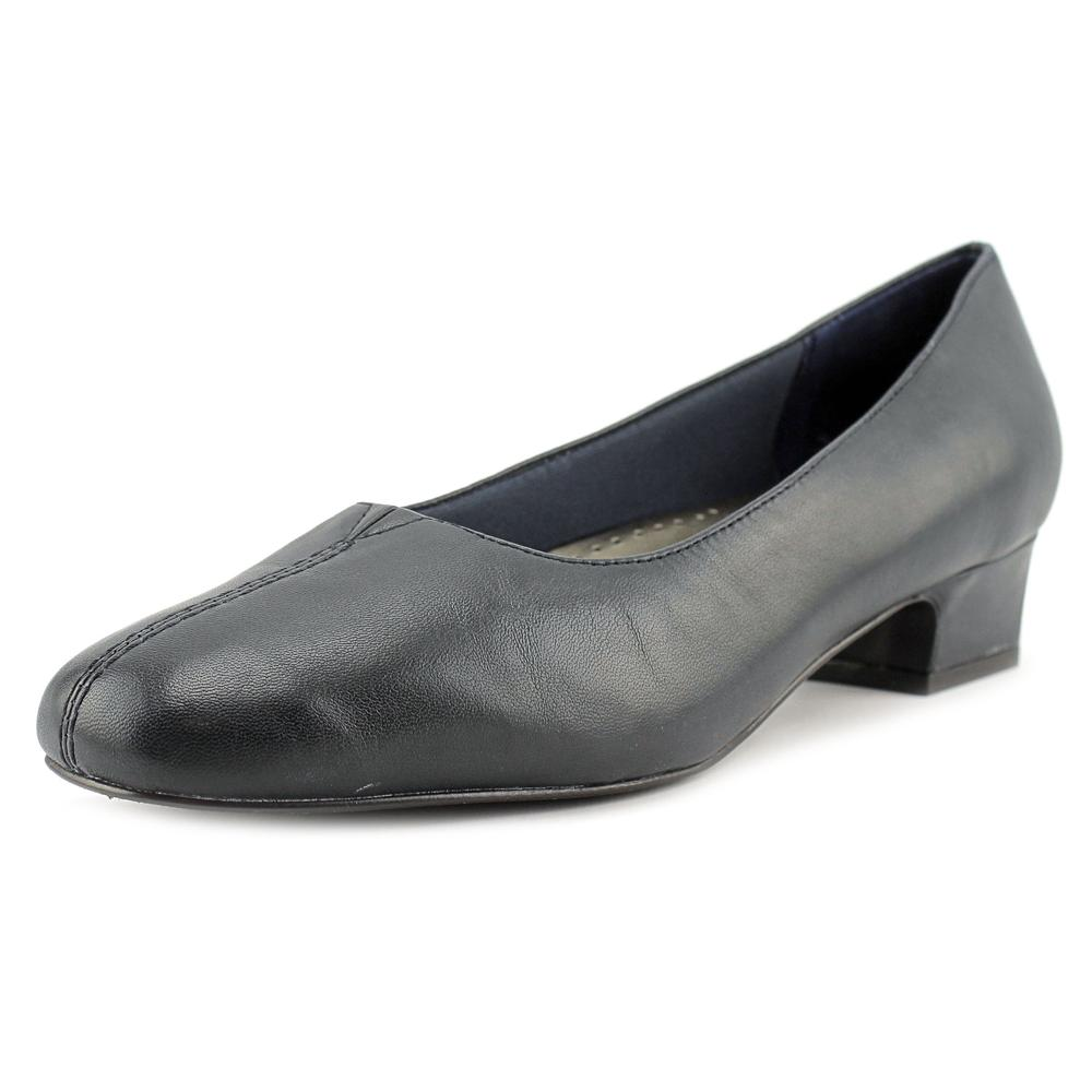 Trotters Doris N S Pointed Toe Leather Heels by Trotters