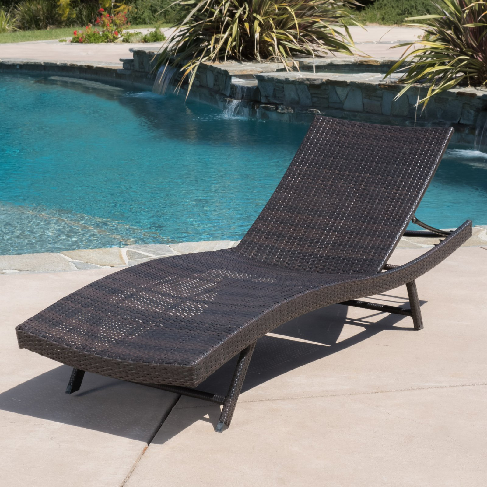 Kauai Wicker Patio Chaise Lounge