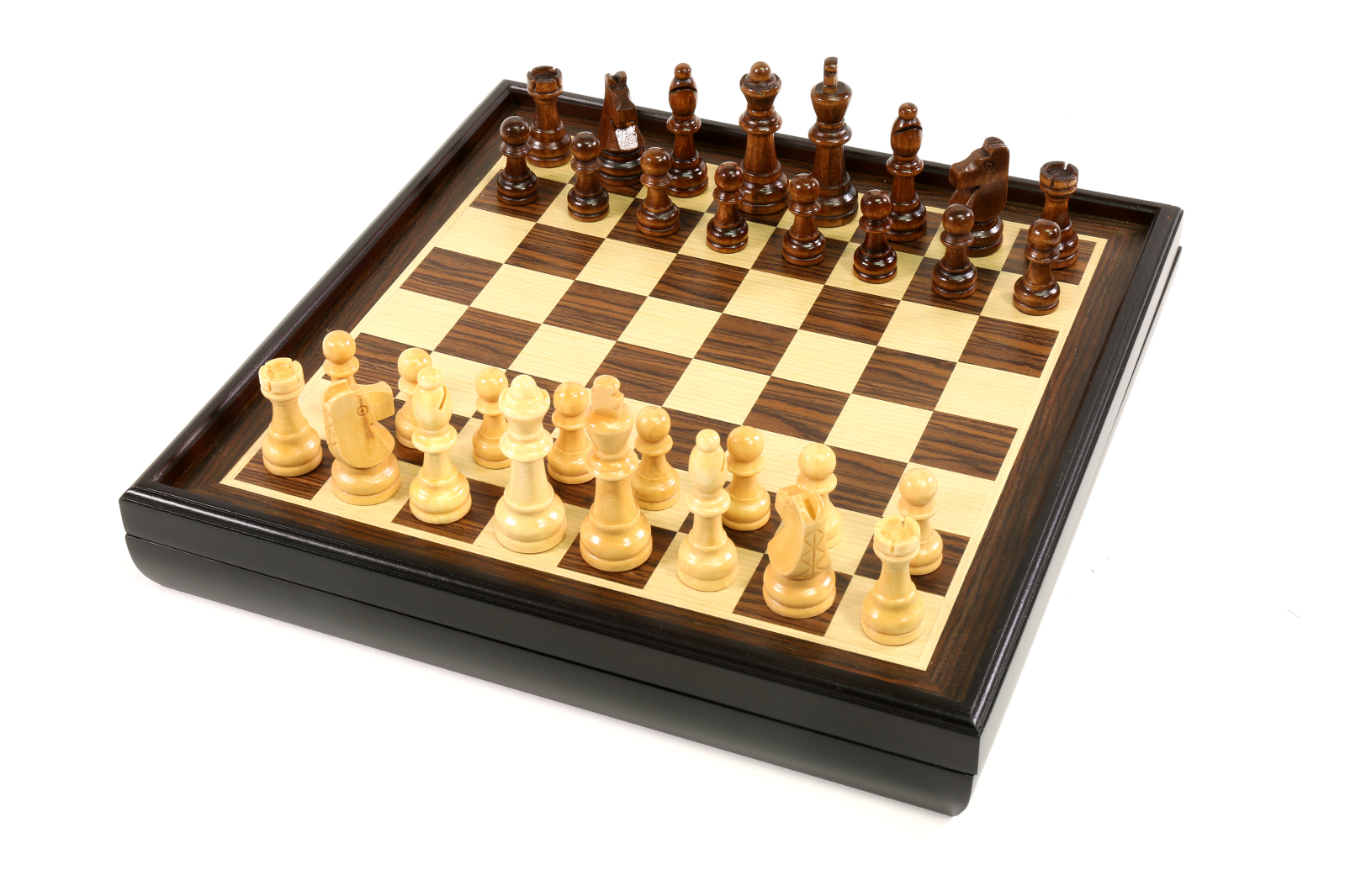 Craftsman Natural Wood Veneer Deluxe Chess Set by Merchant Ambassador (Holdings) Limited