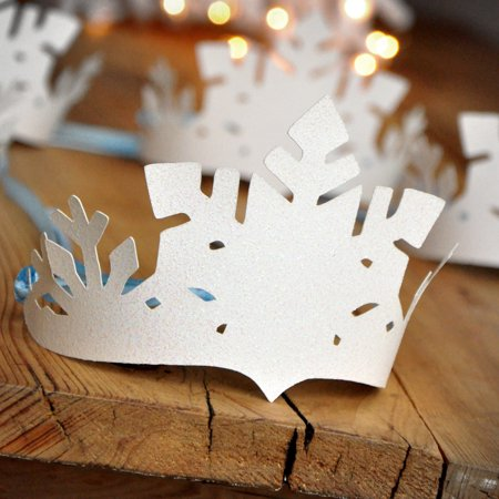 Frozen Party Favor Crowns. Winter Party Favors. Winter Onederland Decor. White and Baby Blue Snowflake Crowns. (Frozen Decor)