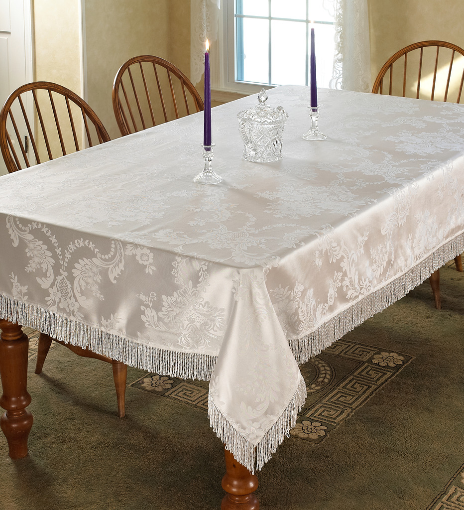 Majestic Damask Design with fringes Tablecloths