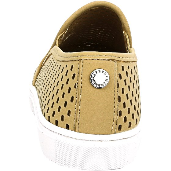 302c23e31c7 Steve Madden Women's Elouise Camel Ankle-High Flat Shoe - 10M