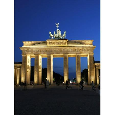 Brandenburg Gate Floodlit in the Evening, Pariser Platz, Unter Den Linden, Berlin, Germany, Europe Print Wall (Gate Unter Den Linden Berlin)