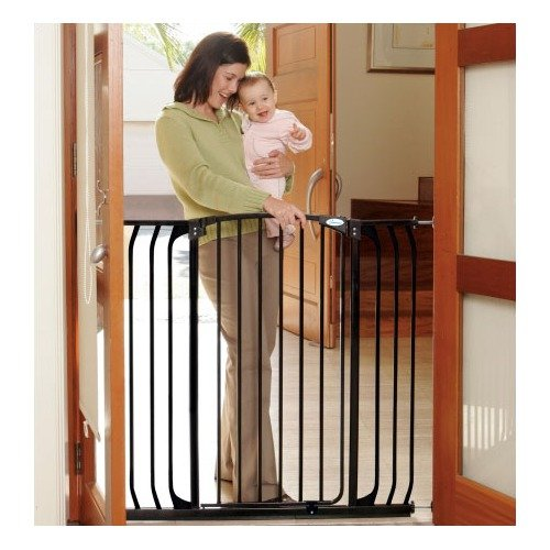 Dream Baby Extra Tall Hallway Swing Closed Saftey Gate in Black