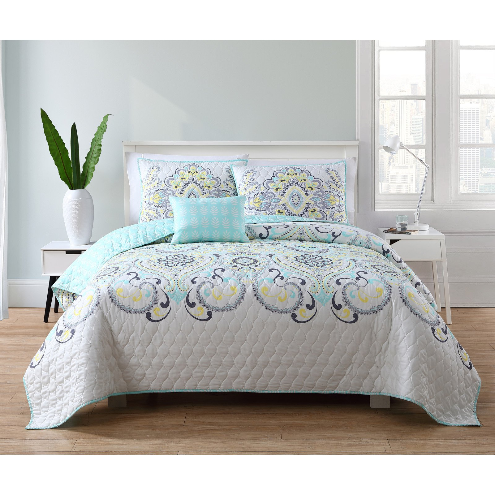 VCNY Home Yellow/Blue Amherst Printed 3/4 Piece Quilt Bedding Set, Shams and Decorative Pillow Included