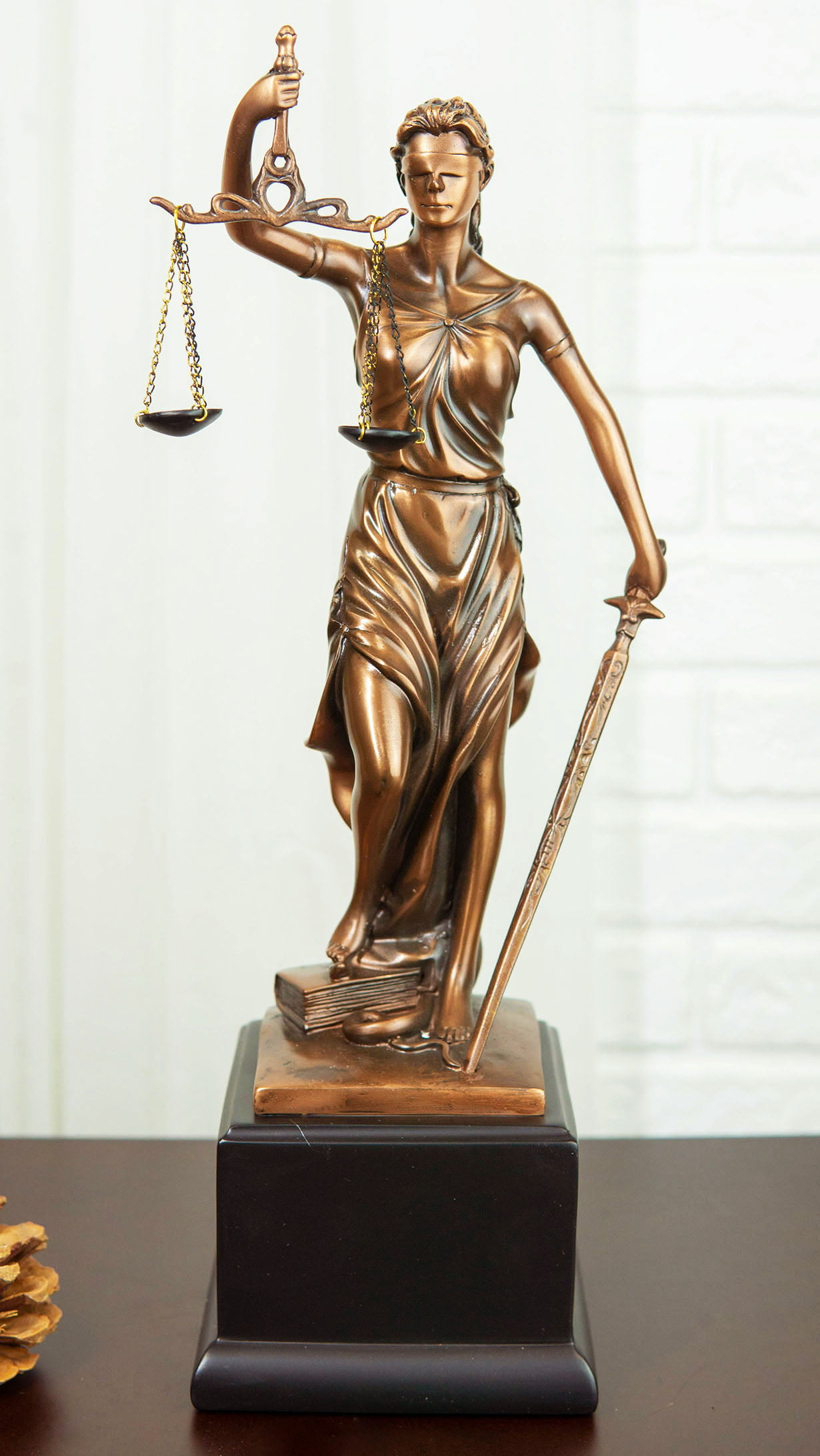 Greek Lady Goddess Of Justice La Justica With Sword And Scales Statue On Base Walmart Com Walmart Com
