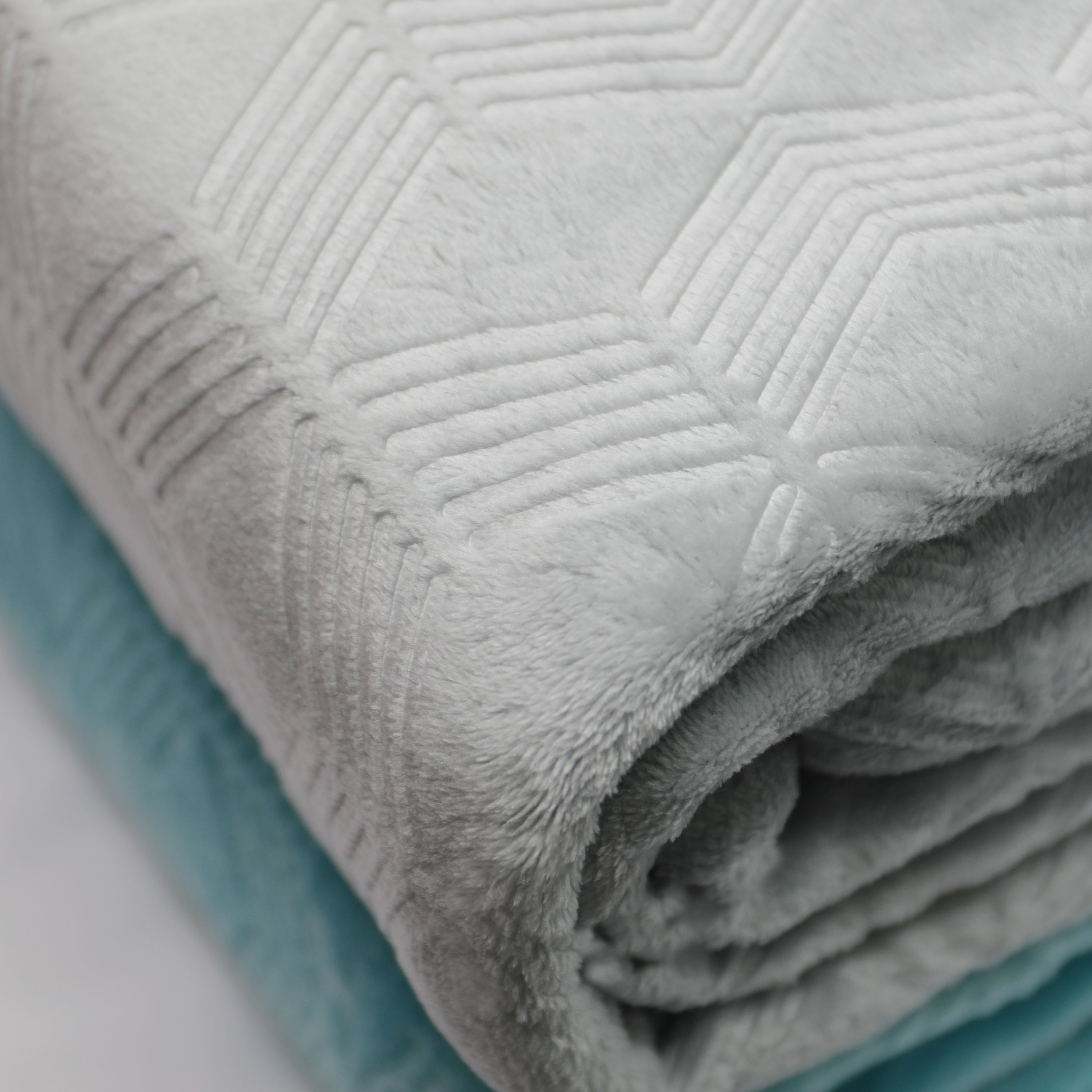 Mainstays Deluxe Plush Blanket Soft Silver