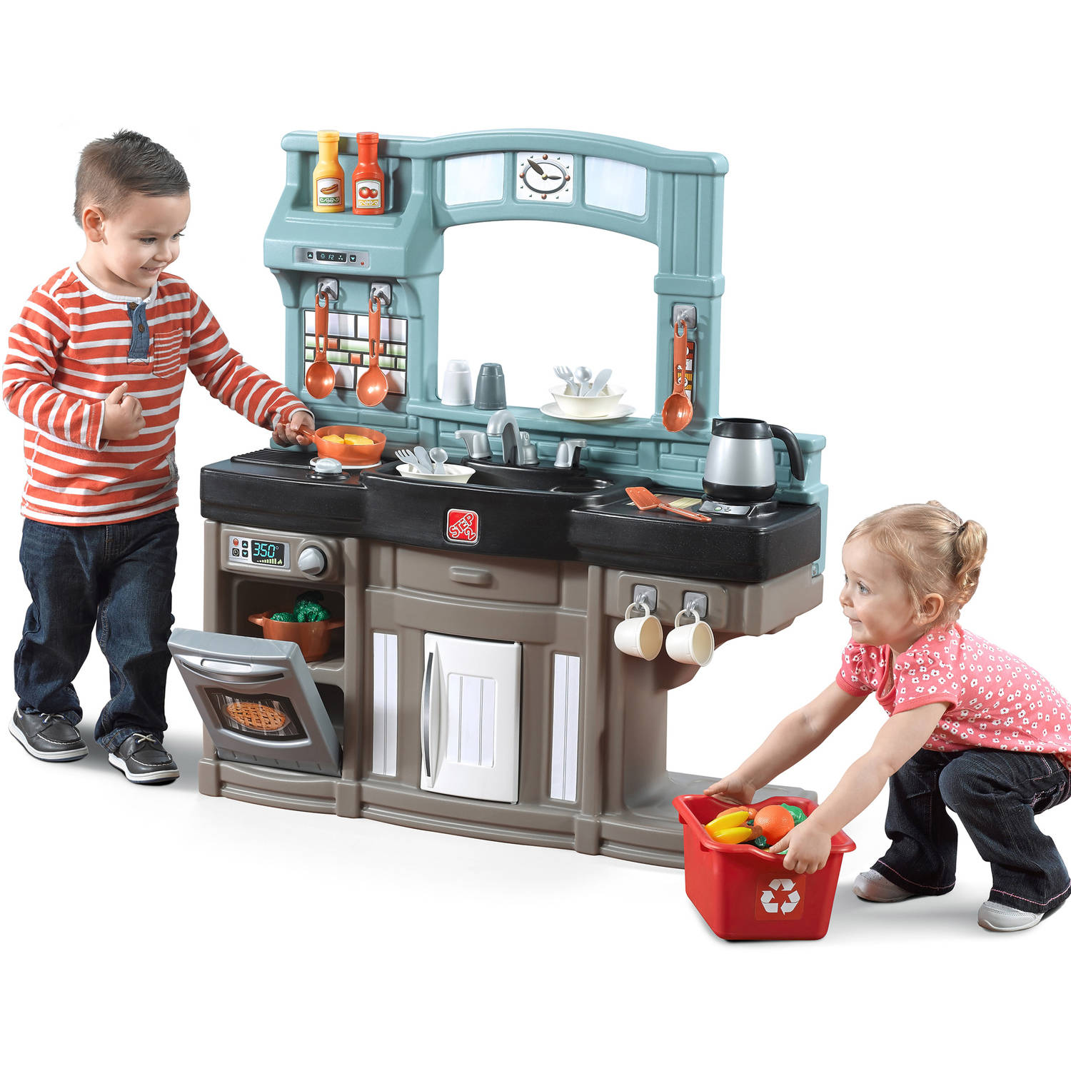Step2 Best Chef's Play Kitchen with Accessory Set