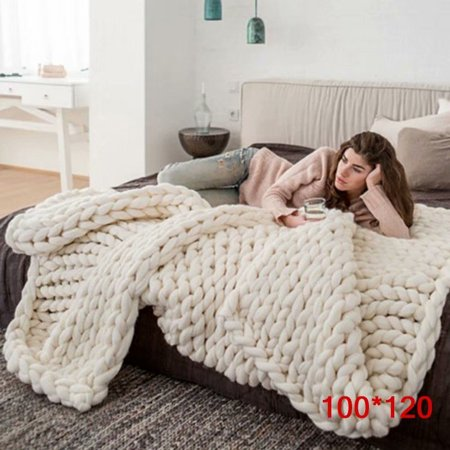 VicTsing Warm Chunky Knit Blanket Thick Yarn Merino Polyester Hand Woven Bulky Knitted Throw,Beige