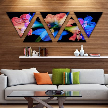 DESIGN ART Designart 'Contemporary Blue Red Flower on Black' Extra Large Floral Wall Art - Triangle 5 Panels - Large Contemporary Wall