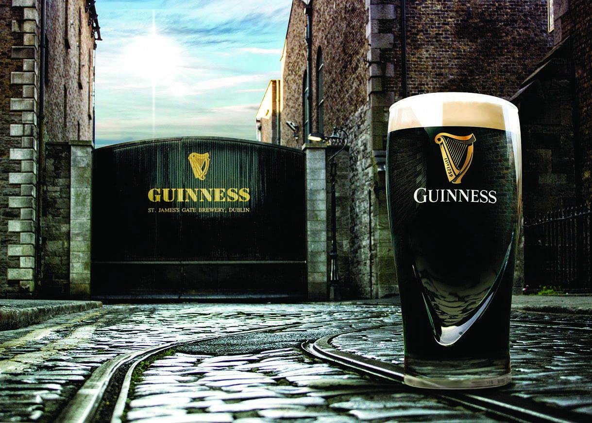 Four Guinness Pint Beer 20 oz Pub Glasses w// Harp Brewed in Dublin Set Stout