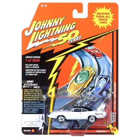 Johnny Lightning JLCG018 Classic Gold VER B 1970 Plymouth Superbird Apline White