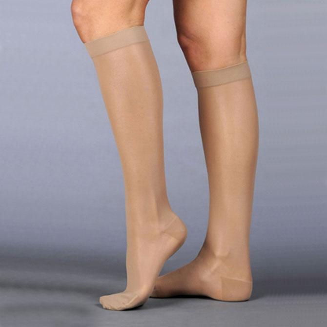 Juzo 2101 Naturally Sheer Closed Toe Knee Highs - 20-30 mmHg  Reg JUZO2101ADFF-P