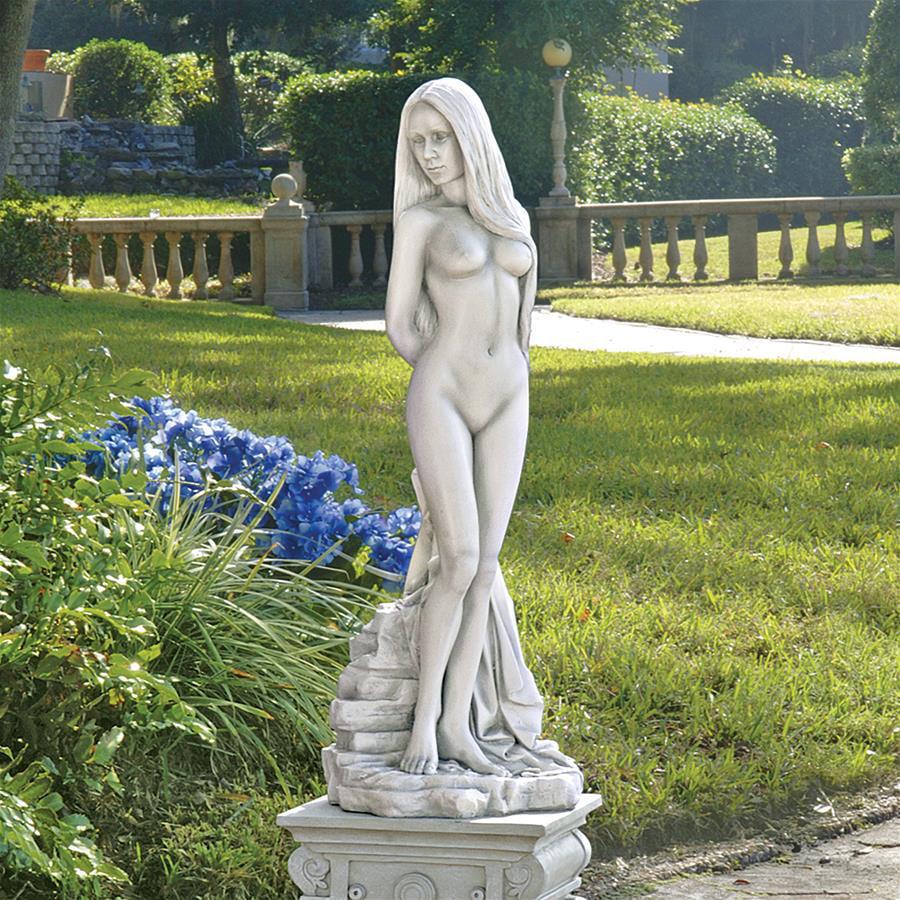 Design Toscano Venus of Pietrasanta Statue