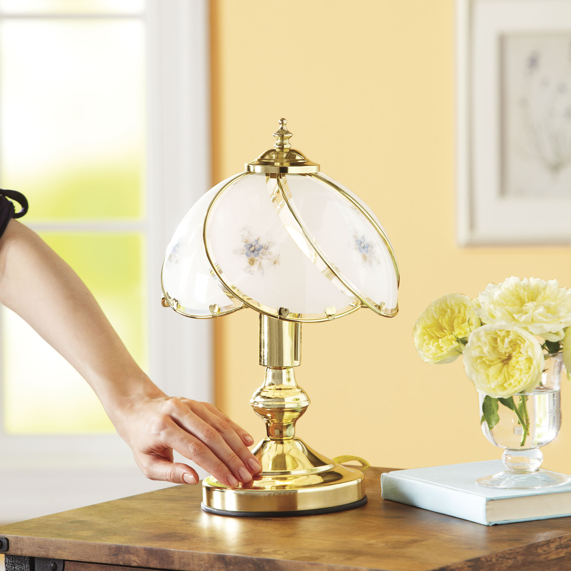 Better Homes and Gardens Floral Glass Shade Touch Lamp