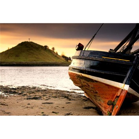 Boat On Beach At Low Tide - Alnmouth Northumberland England Poster Print, Large - 38 x 24 - image 1 de 1