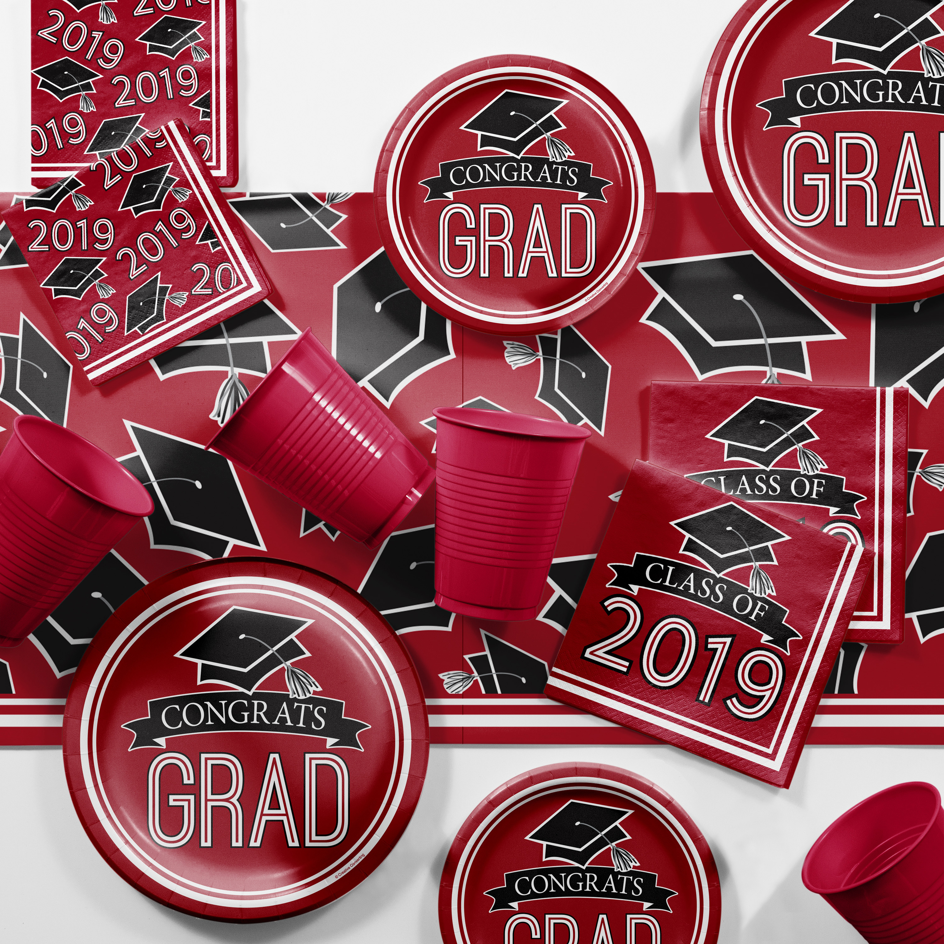 Red 2019 Graduation Party Supplies Kit