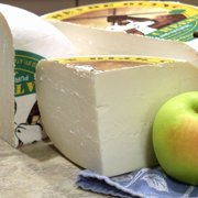 igourmet Dutch Goat Cheese Gouda (7.5 ounce)