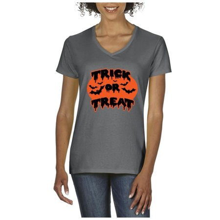 Halloween T-Shirt Trick or Treat ? Black Bats Halloween Costumes Idea Halloween Birthday Party Gift Artix Women's V-Neck T-Shirt Tee Clothes (1980 Costume Ideas)