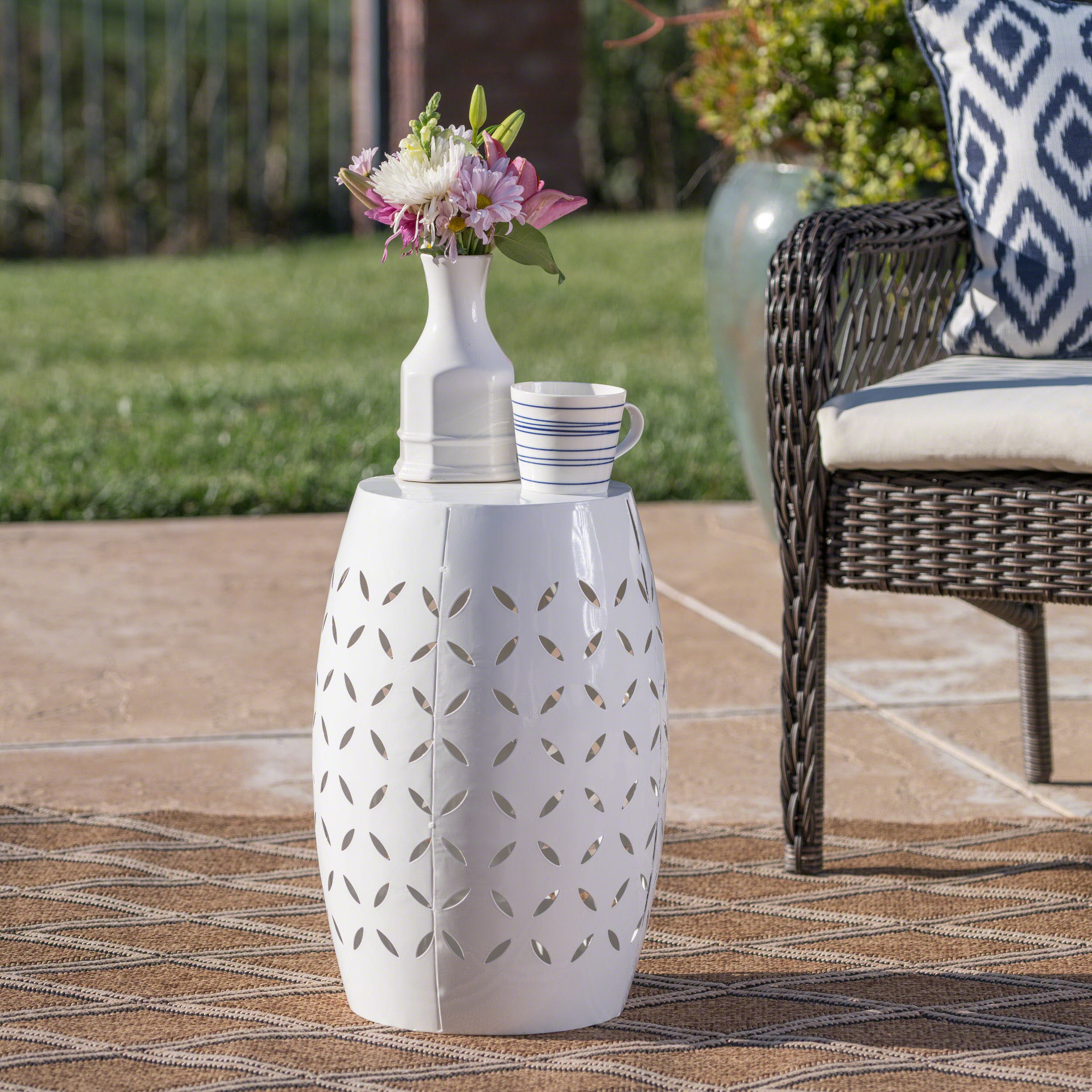 """Michelle Outdoor 12"""" White Iron Side Table"""