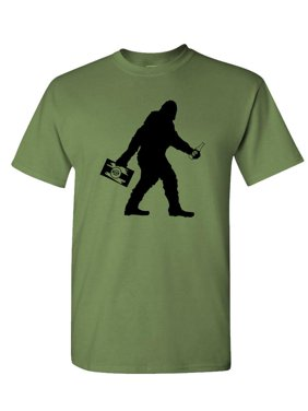 9469b9c318eb Product Image SASQUATCH BIGFOOT WITH BEER - squatchin funny - Mens Cotton  T-Shirt, Military,