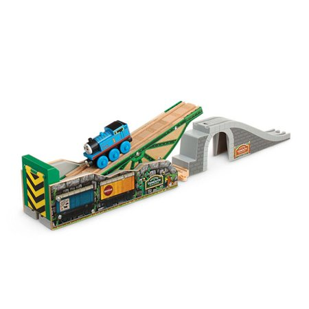 Fisher Price Thomas & Friends Wooden Railway Tidmouth's Tipping Bridge with (Badge Thomas Tank)