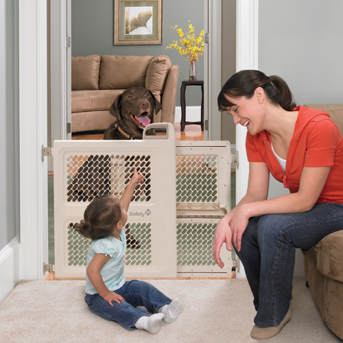 "Safety 1st Pressure and Hardware Mount Baby Gate, 28""-42"""