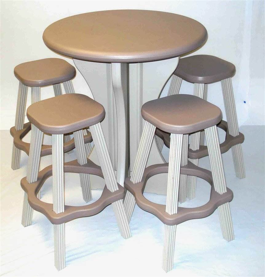5 Pc Outdoor Bistro Set in White and Taupe Plastic
