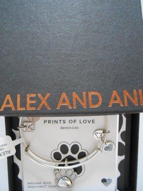 prints of love charm bangle