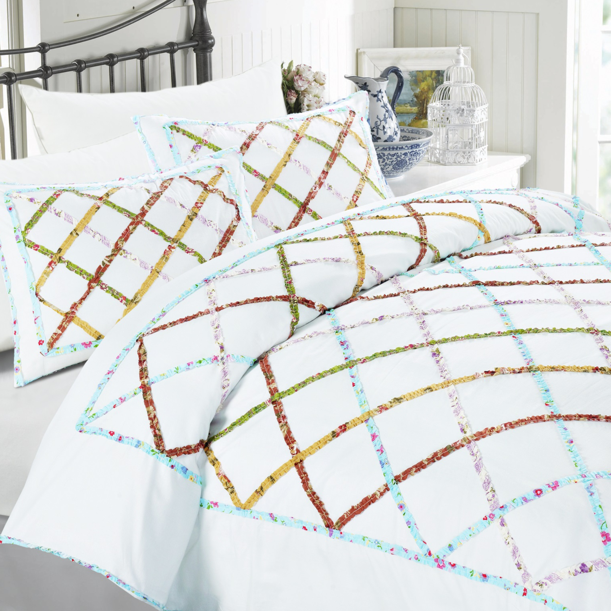 Kaleidoscope Ruffle Duvet Cover Set White Full/Queen