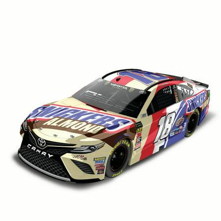 Kurt Busch Car - Lionel Racing Kyle Busch #18 SNICKERS Almond 2018 Toyota Camry 1:24 Scale HO Die-cast