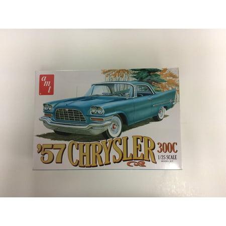 (AMT 1100 1:25 Scale Model Kit - 1957 Chrysler 300C SKILL 2)