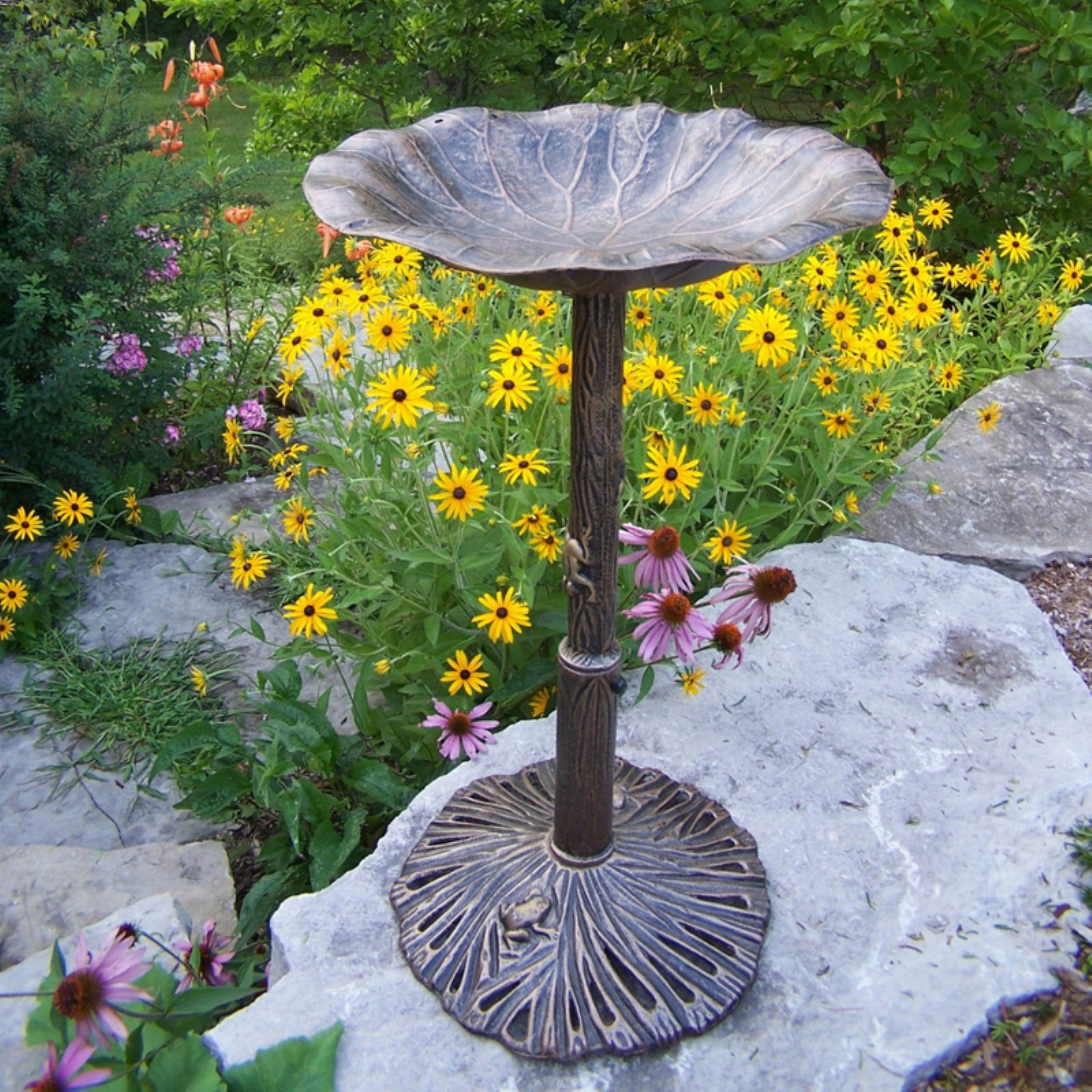 Oakland Living Lily Birdbath by Birdbaths