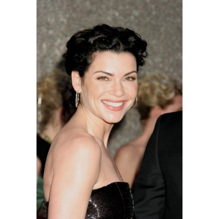 Julianna Margulies At Arrivals For American Theatre WingS 60Th Annual Tony Awards - Arrivals Radio City Music Hall New York Ny June 11 2006 Photo By Rob RichEverett Collection - Toy Awards