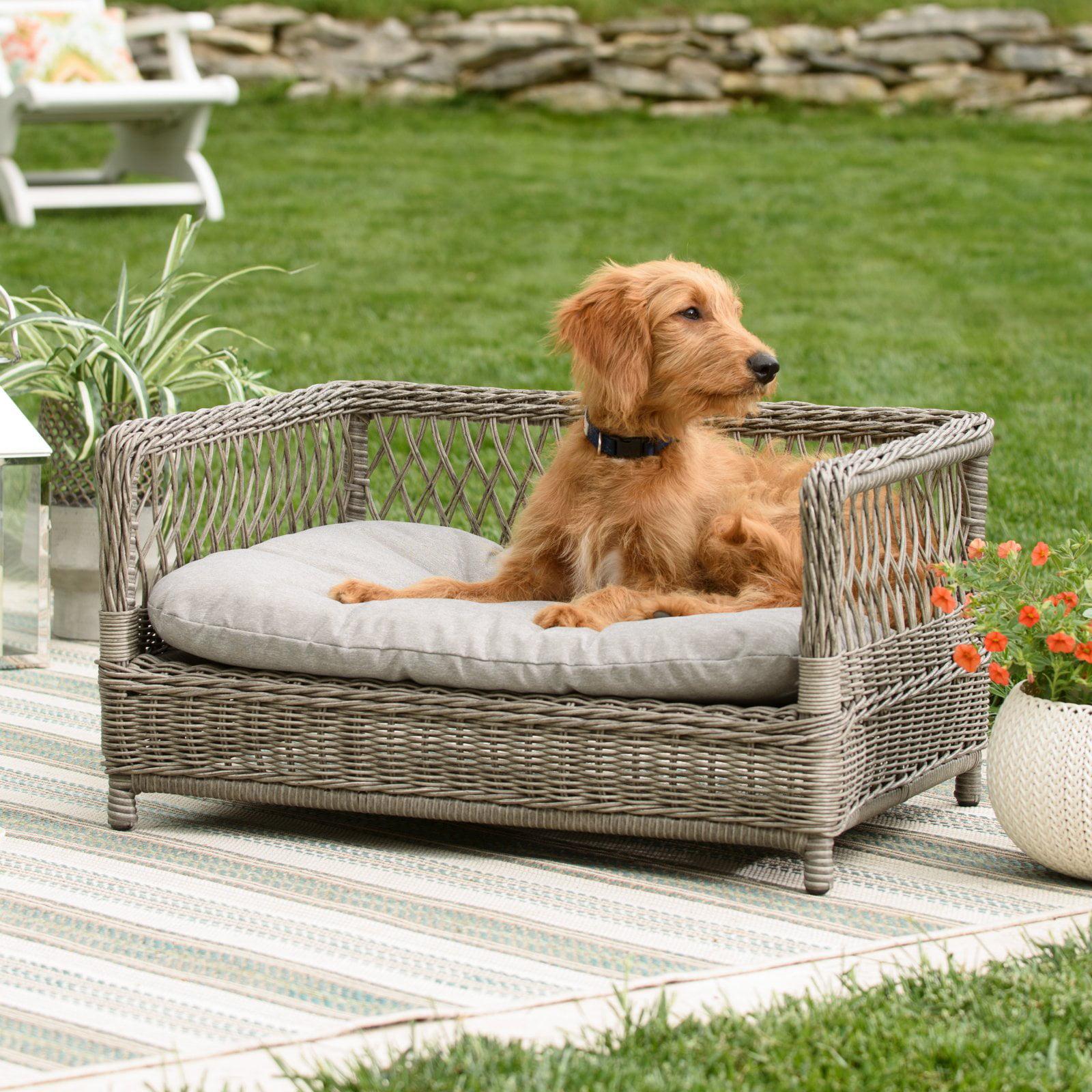 Boomer & George Ollie Wicker Pet Bed