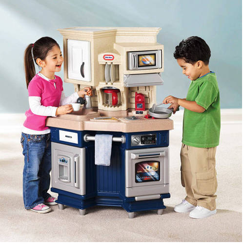 Little Tikes Super Chef Kitchen with 13-piece Accessory Set by Little Tikes
