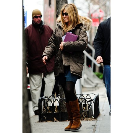 Locator Feature (Jennifer Aniston On Location For The Baster Film Shoot With Jennifer Aniston Greenwich Street West Village New York Ny March 30 2009 Photo By Bert PantorillaEverett CollectionEverett Collection Celebr)