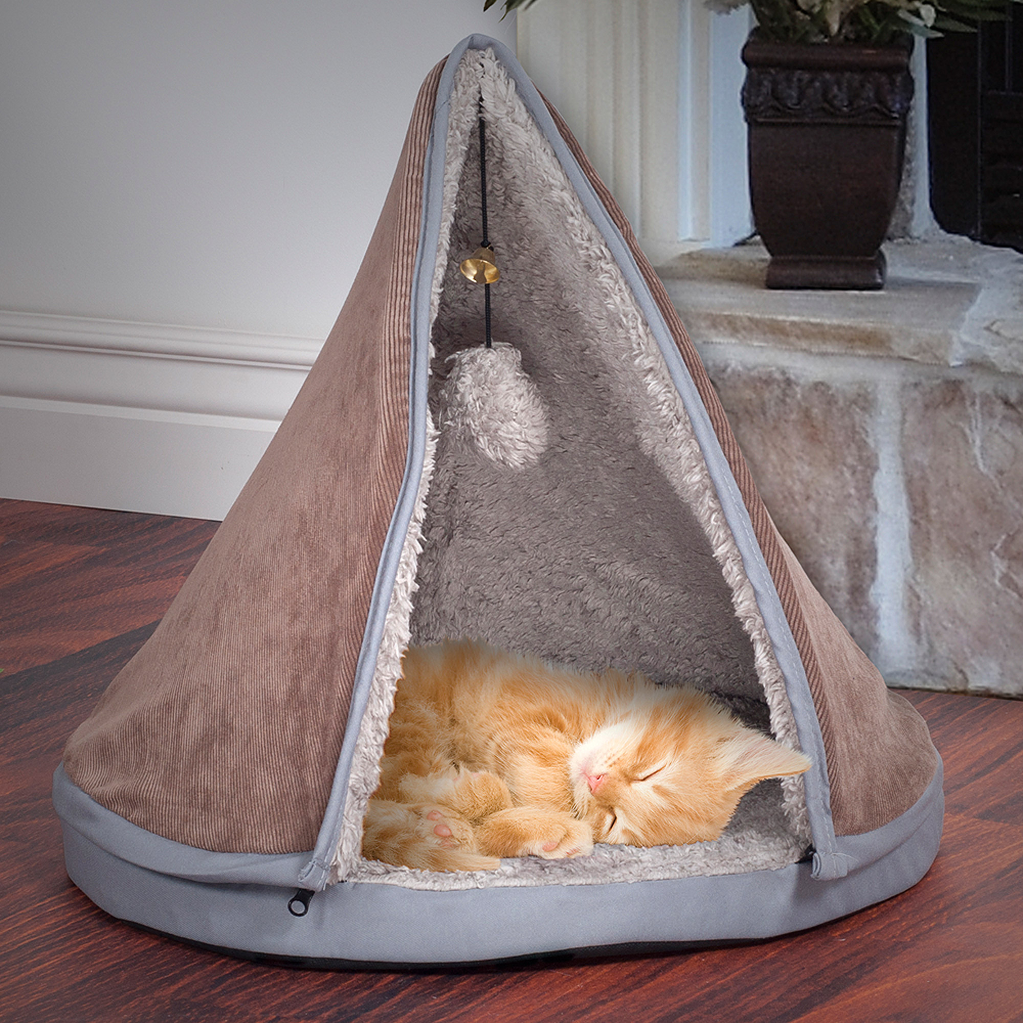 Teepee Cat Bed, Kitten Kitty Sleep and Play Pet Bed with Removeable Top by PETMAKER