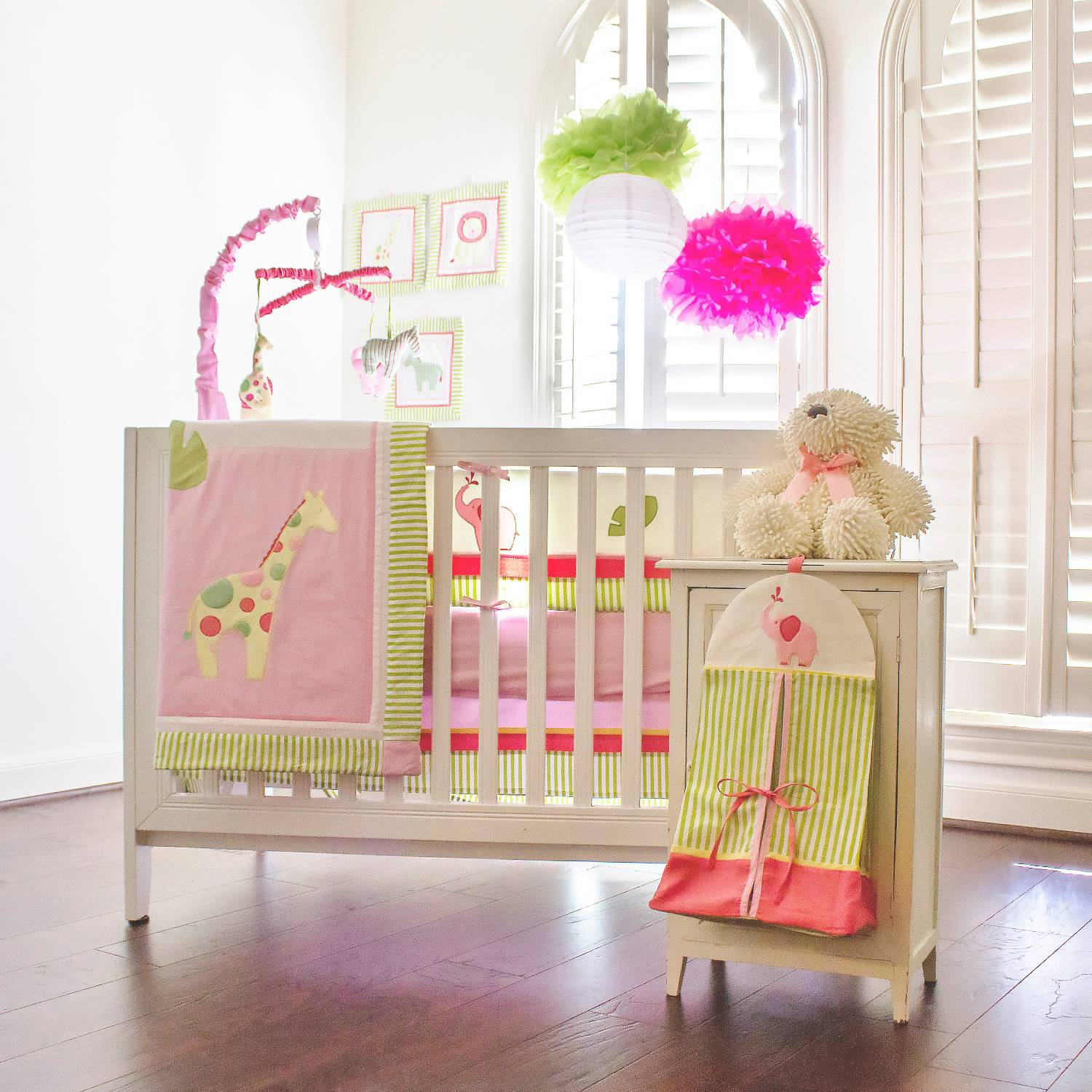 Pam Grace Creations Zoe's Zoo Day 10-Piece Crib Bedding Set with Bumper, Pink