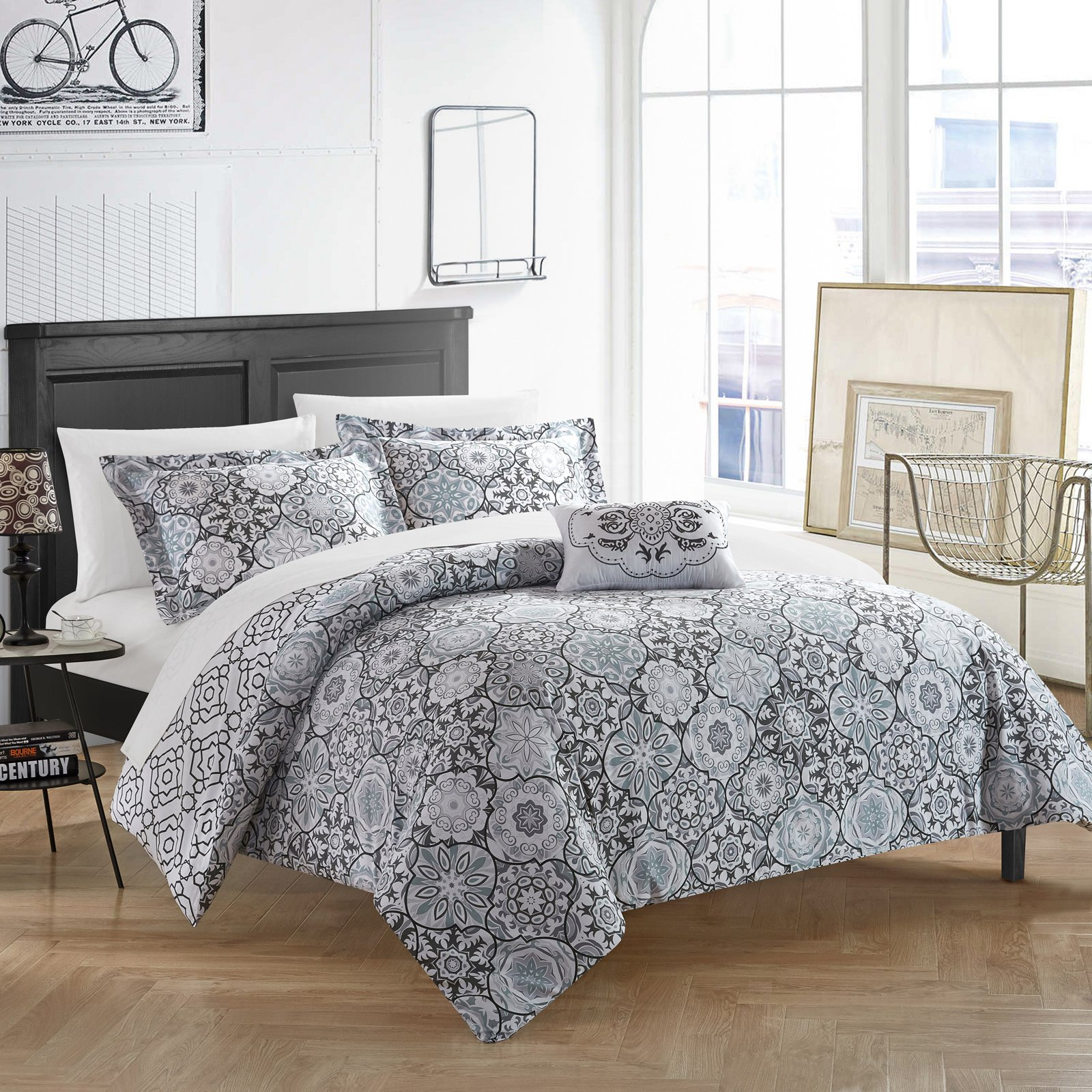 Chic Home 4-Piece Winona 100% Cotton 200 Thread Count Bohemian Inspired Printed REVERSIBLE Duvet Cover Set