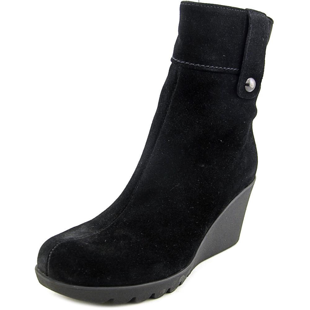 La Canadienne Suede Round-Toe Boots