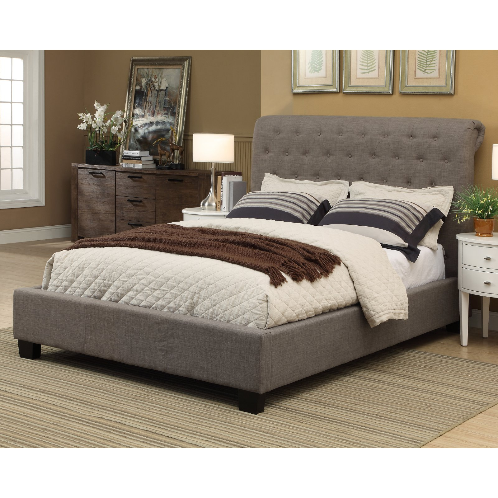 Royal Tufted Platform Bed