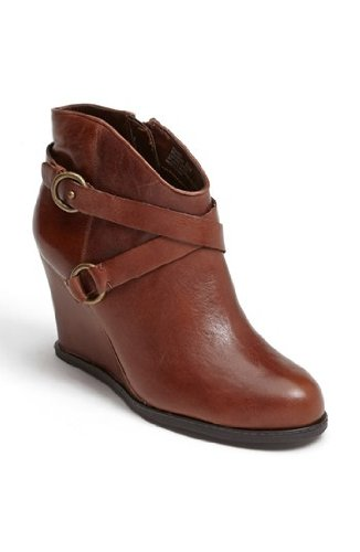 Me Too Women's Breanna Bootie by Me Too