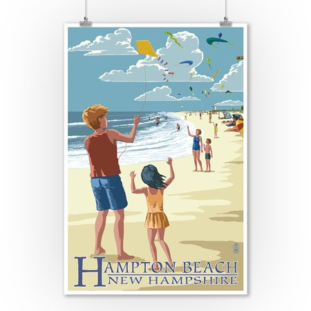 Hampton Beach, New Hampshire - Kite Flyers - Lantern Press Poster (9x12 Art Print, Wall Decor Travel Poster)